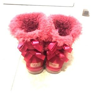 Pink bailey bow uggs w/ box